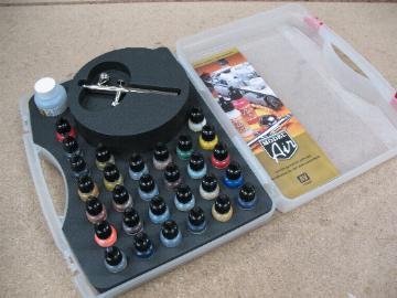 AV Vallejo Model Air - Basic Colours & Airbrush Set
