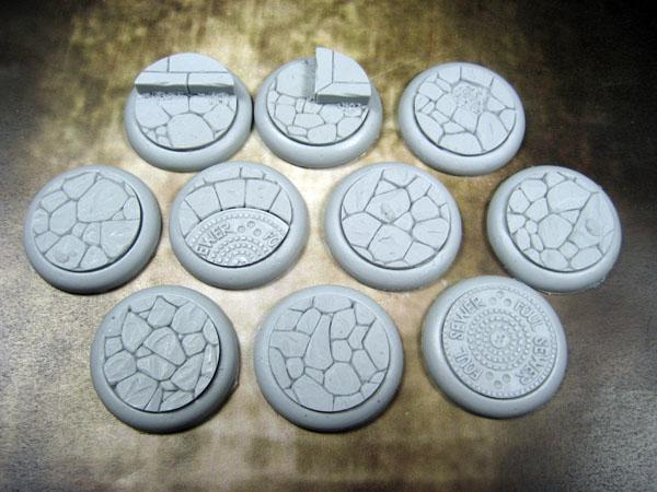 Round Lip: 30mm Town Square Bases (10)