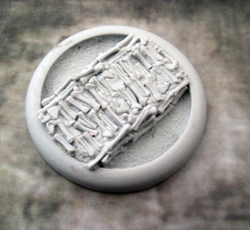 Round Lip: 50mm Bone Fields Base 04 (1)